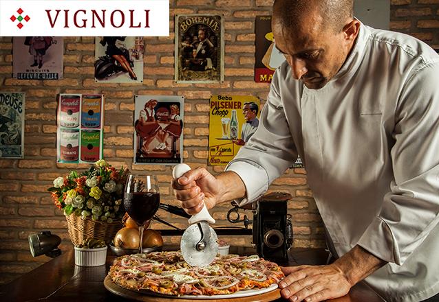 Entrada + Pizza Salgada + Pizza Doce + Bebidas para 10 pessoas de R$549 por apenas R$489