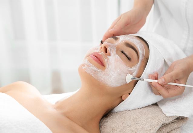Esfoliação da pele + Hidratação da pele + Máscara de Rejuvenescimento de R$60 por apenas R$24,90