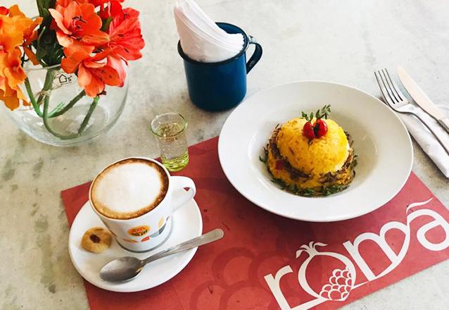 Tapioca Proteica da Casa (ovo e queijo) com Capuccino Cremoso (base de café, leite e chocolate) de R$28 por apenas R$19