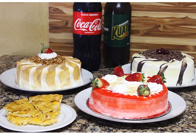 Kit Esmeralda - Torta para 10 pessoas, 100 salgados e 1 Refrigerante de 2L de R$69,90 por R$48,90