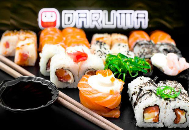 O melhor da culinária japonesa no Barato! Combinado de 32 peças de R$57,60 por apenas R$44 no Daruma Sushi Ya