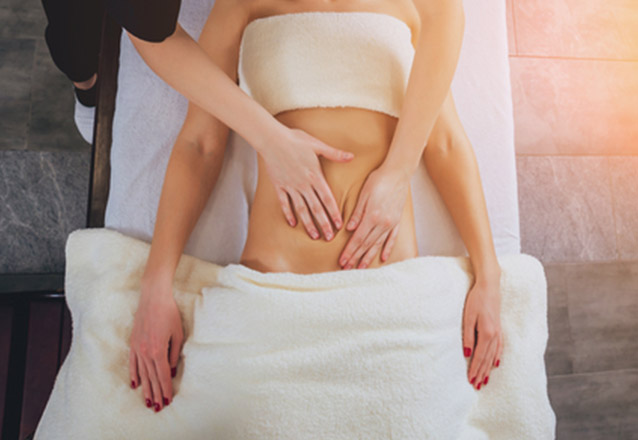 Cuide de você na Estética Bela Forma! 2 áreas de criolipólise, 5 sessões de lipocavitação, 5 sessões de termolipo e 5 sessões de massagens por apenas R$425