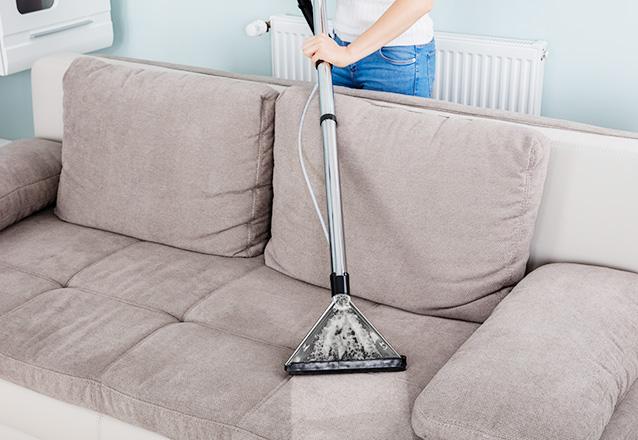 Lavagem de sofá de 2 ou 3 lugares de R$120 por apenas R$38,90