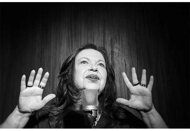 """Não perca essa! Ingresso Inteira Plateia Alta para o show """"De Primeira Grandeza – As Canções De Belchior"""" com Amelinha no Theatro ViaSul de R$80 por apenas R$38,40"""