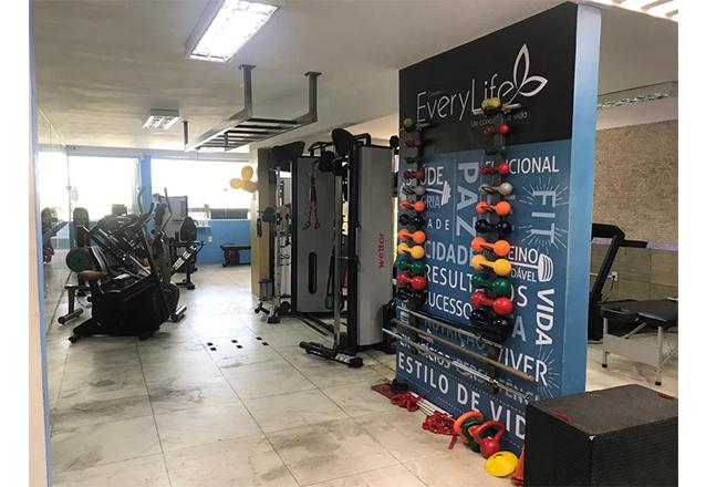 Complexo Every Life cuidando da sua saúde! Treinamento Integrado com Musculação, Funcional, Pilates, Ergometria e Alongamento/Relaxamento pós-treino de R$387,00 por R$199,90
