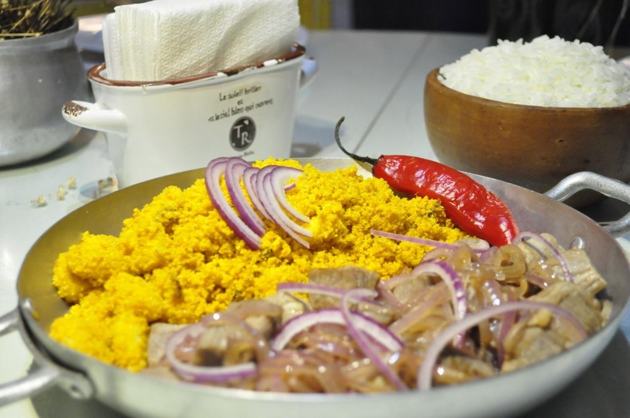 Filé de Peixe Grelhado ao Sururu ou Carne de Sol com farofa de banana ou Manjar de Camarão ou Moqueca de Camarão e Arraia de R$84,90 por apenas R$59,90