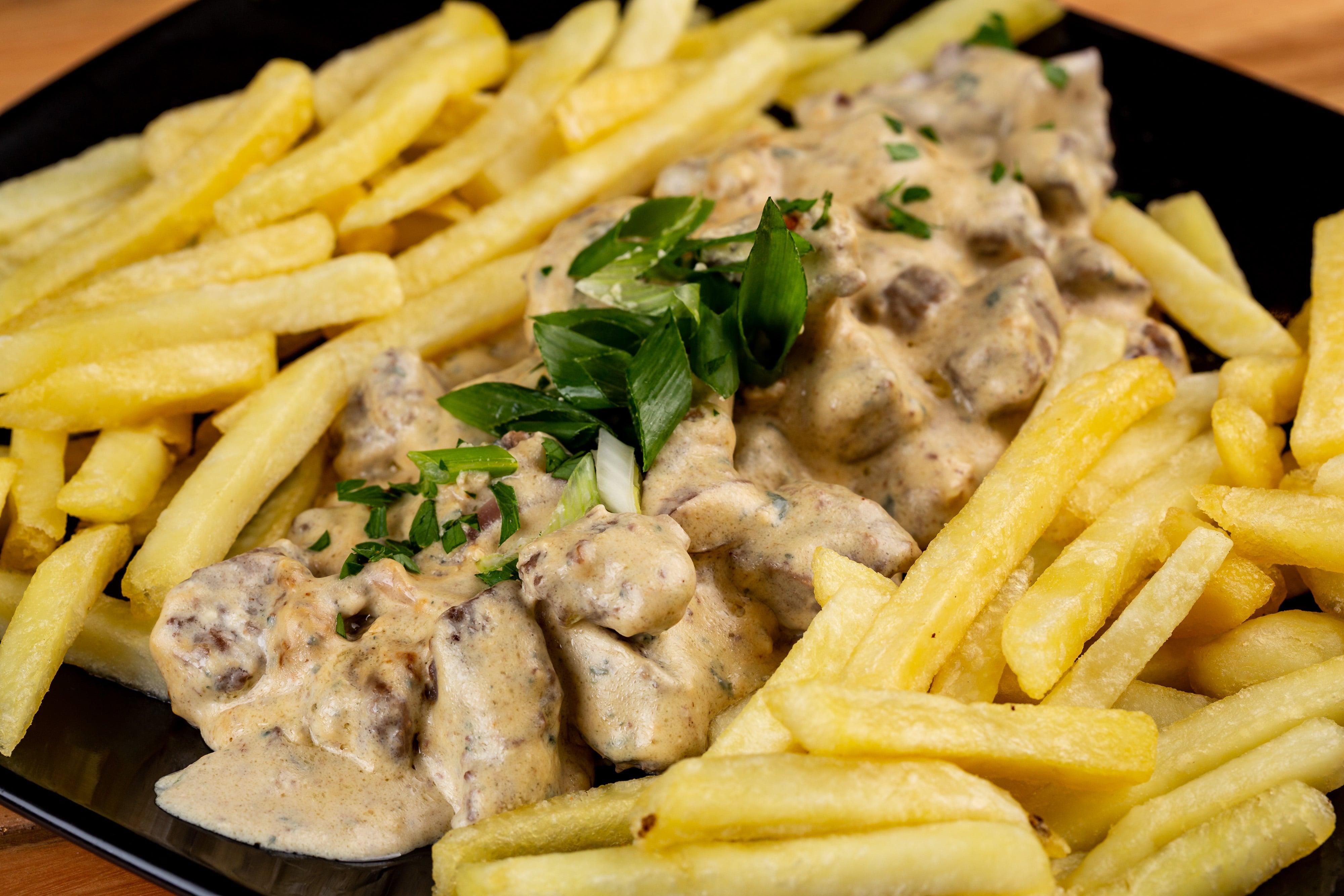 Porção de Filé ao Molho Gorgonzola + Itaipava de 600ml por apenas R$36,90