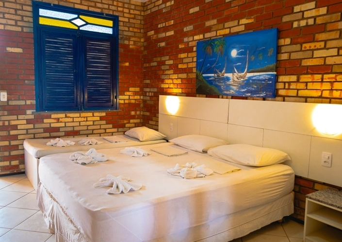 Parajuru! 2 diárias para 2 adultos e 1 criança + café da manhã por apenas R$359 no Praia Hotel - Parajuru  em até 3x sem juros