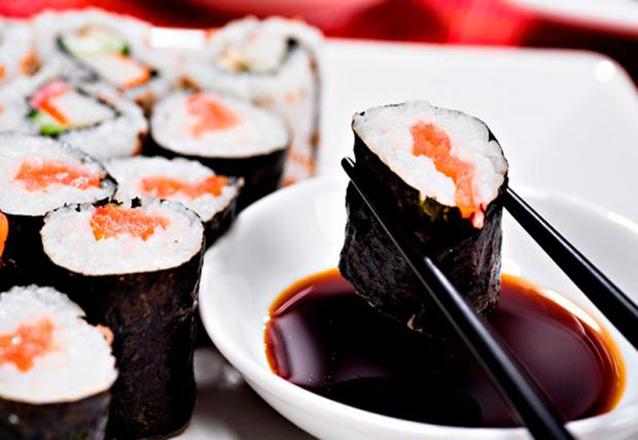 #9AnosBarato ☆ - Combinado de 32 peças de R$57,60 por apenas R$44 no Daruma Sushi Ya