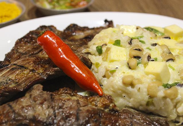 Carne de sol: 400g de carne + Baião + Farofa e Vinagrete para 2 pessoas de R$34,30 por apenas R$24,99