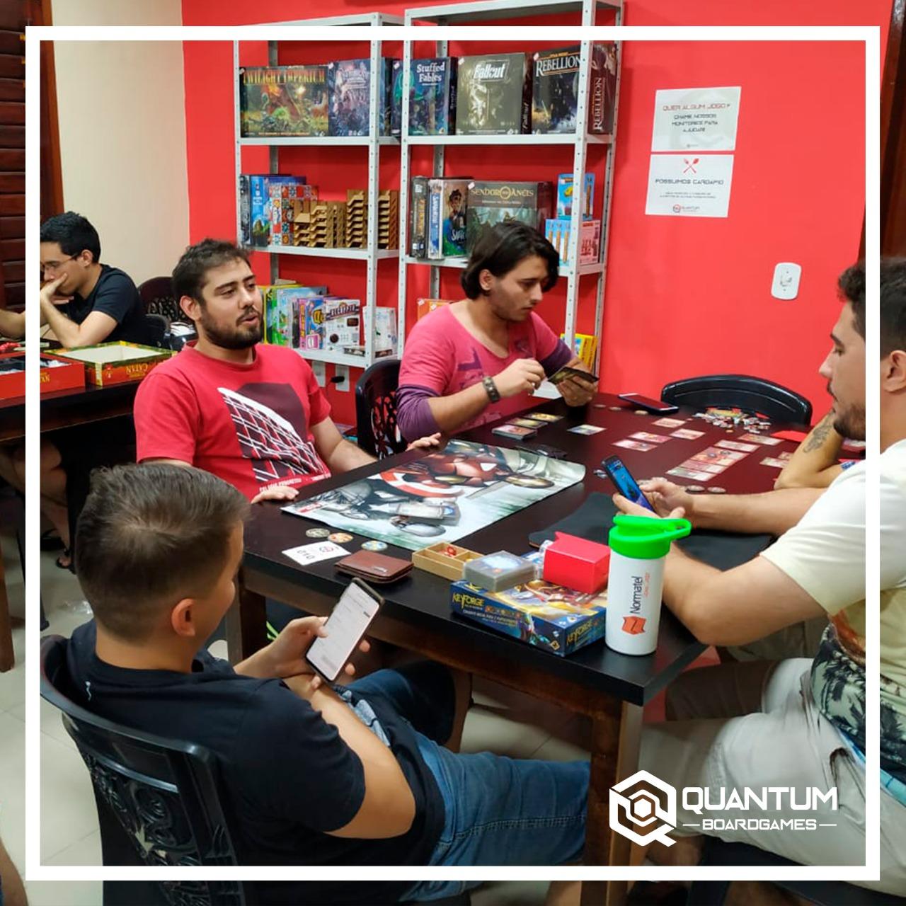Sabor + Diversão! Hambúrguer + Centenas de Jogos de Tabuleiro à disposição de R$29,90 por apenas R$25,90
