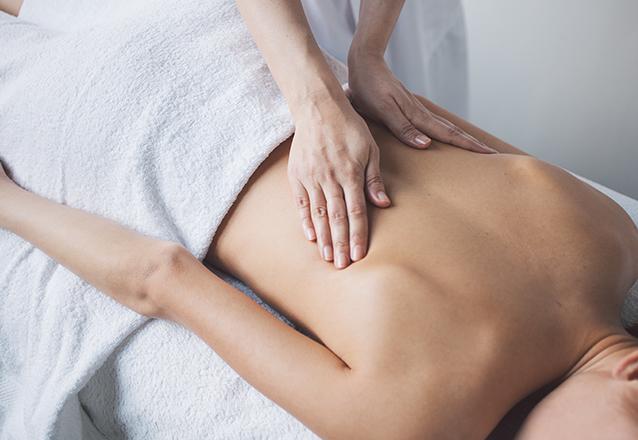 Massagem Relaxante com Velas Quentes de R$80 por R$45