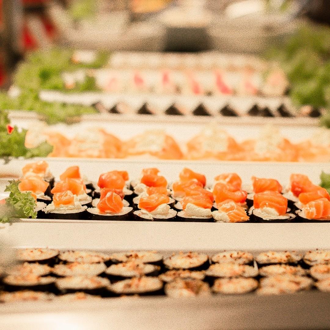 O melhor rodízio da cidade! Rodízio Completo (carnes, massas, sushi, saladas, pratos quentes, pratos frios) para 1 pessoa de até R$49,90 por R$38 no Fogo Campeiro