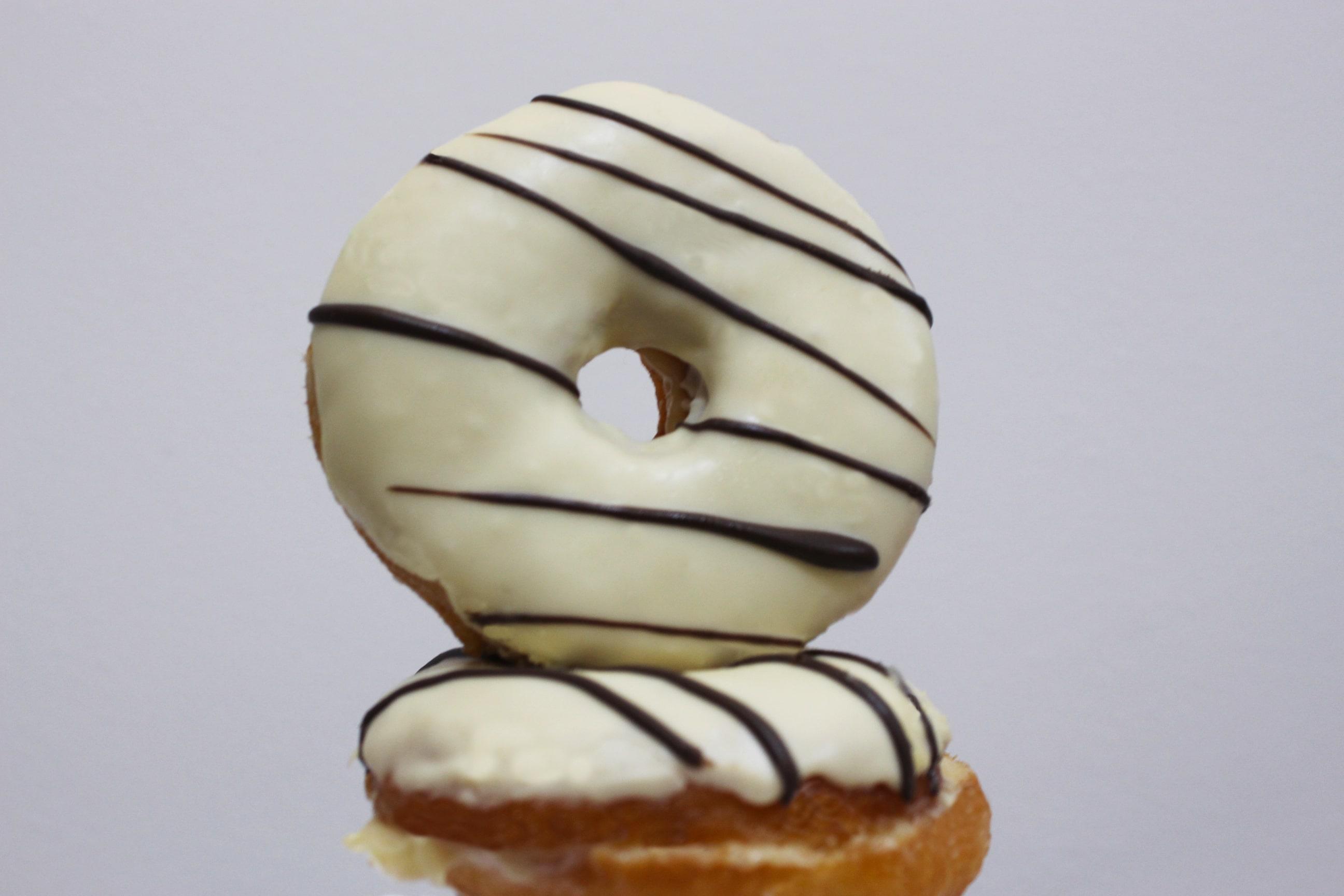 Uma caixa de Felicidade! Caixa com 6 Donuts para delivery de R$30 por apenas R$19,90 na Empório Donuts