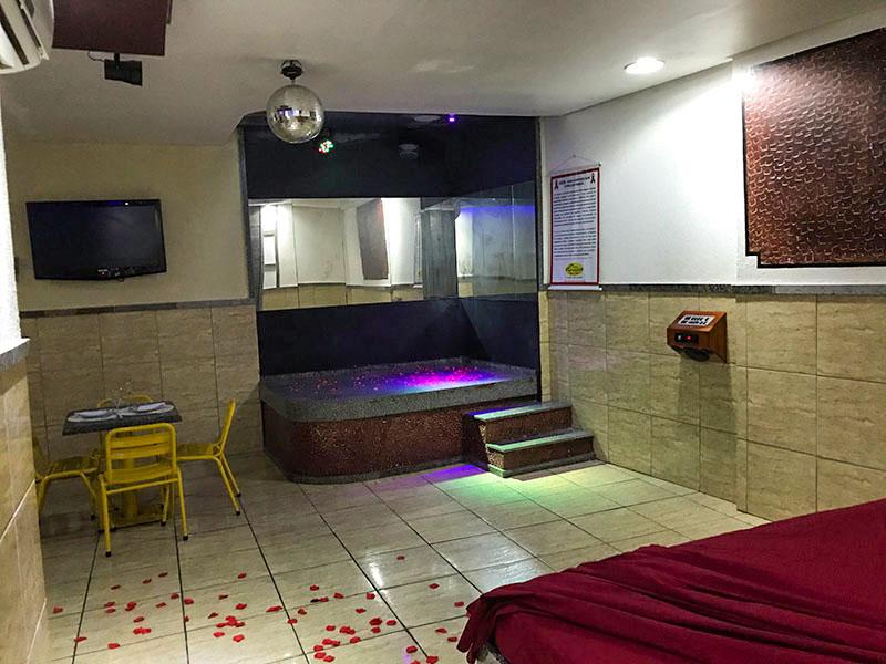 2h com 1h de Bônus na Suíte Super Luxo para até 3 pessoas por apenas R$40,90