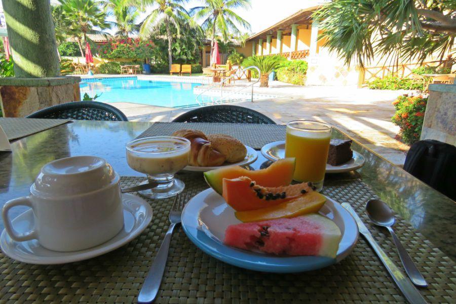 1 diária (domingo a quinta) JULHO A DEZEMBRO para 2 adultos e 1 criança de até 6 anos + café da manhã de R$300 por R$155