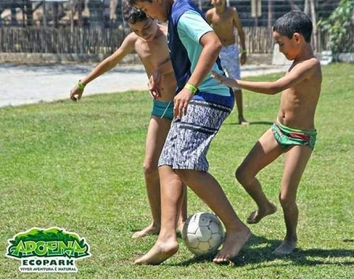 Diversão e lazer nas Férias com o Apoena Ecopark! 01 ingresso adulto com atividades de R$30 por R$19,90