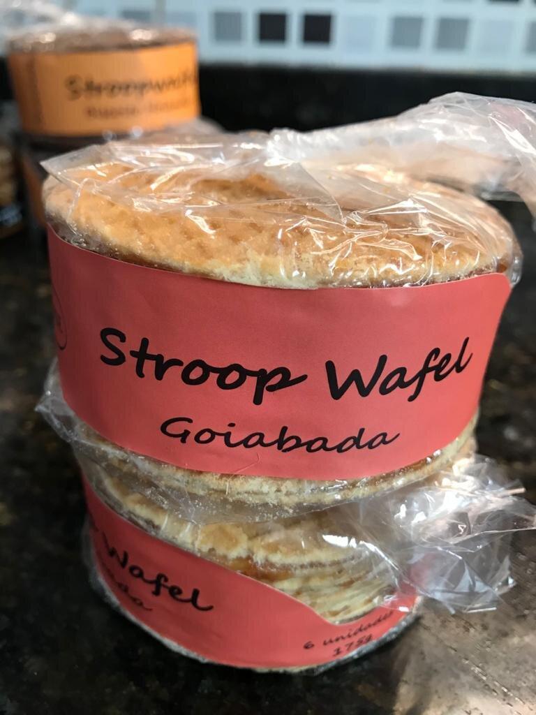 A Nova guloseima que é tendência: Biscoitos Stroopwafel! Pacote (recheio de caramelo, chocolate ou goiabada) com 6 unidades por apenas R$9,99
