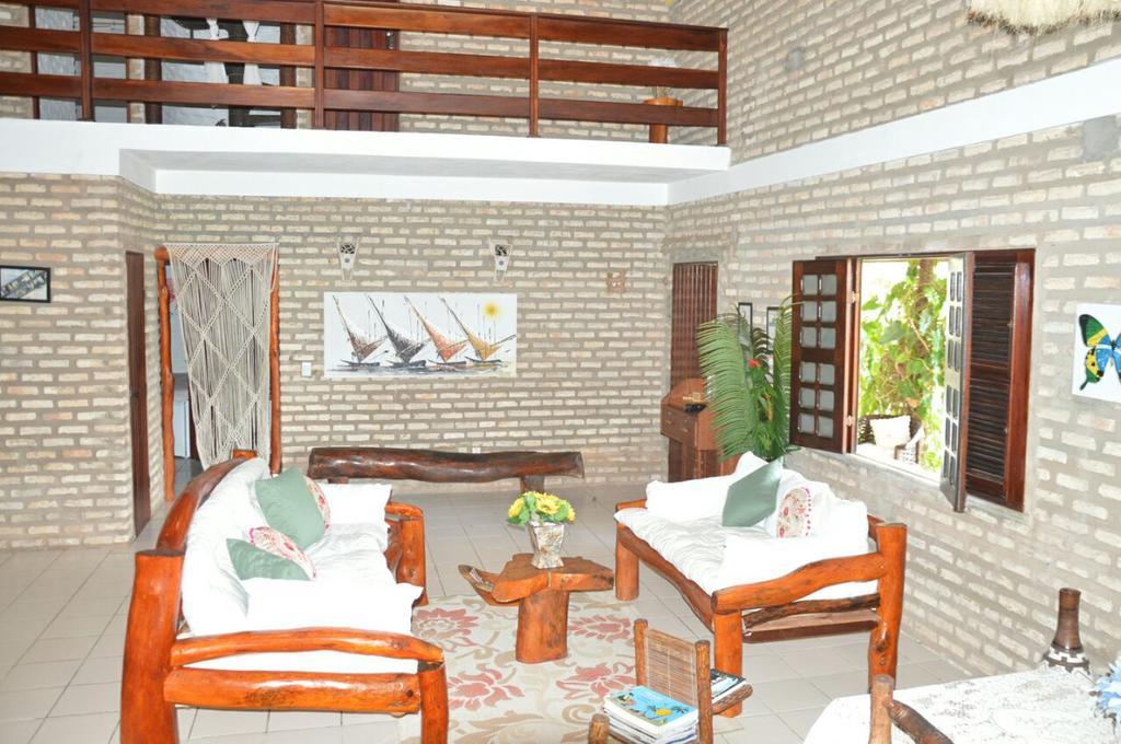 Flecheiras te espera! 2 diárias em Apartamento duplo para casal e 1 criança + café da manhã por apenas R$389 na Butterfly House