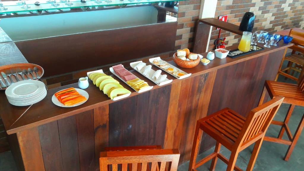 De janeiro a 31 de junho (exceto Carnaval, feriados e datas comemorativas) - 2 Diárias para 2 pessoas + Café da manhã de R$360 por R$299