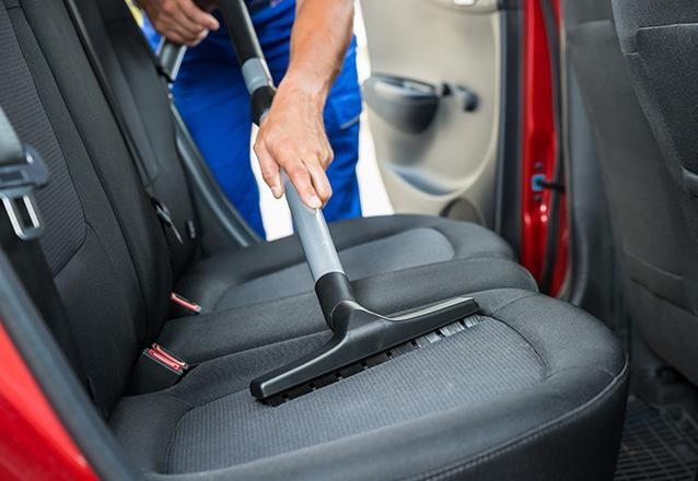 Lavagem Ecológica + Polimento + Higienização Interna em carro Pequeno de R$305 por apenas R$200 na Grand Wash