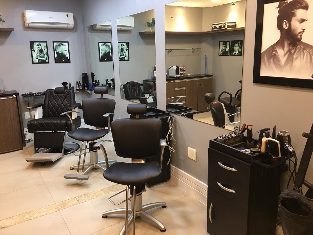 O Corte perfeito está na Garcia Neto Barbearia! Corte de cabelo, barba, lavagem e hidratação para homens de R$ 115 por R$79,90