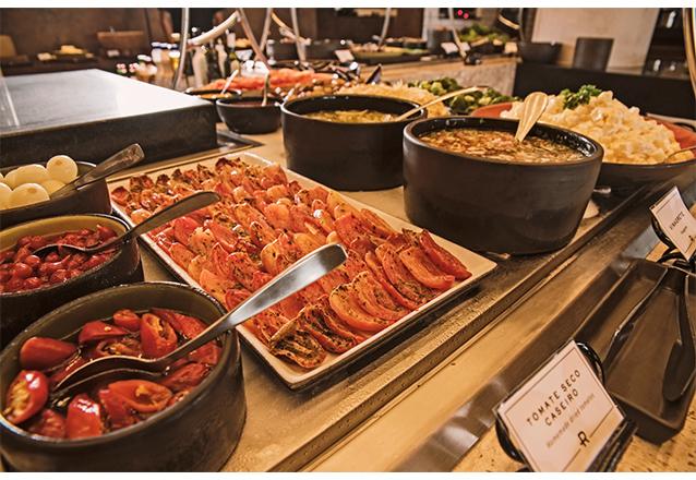 Rodízio completo de carnes nobres com buffet completo, saladas, frios e sushis de até R$79,90 por apenas R$64,90 na Rasco Steakhouse - Beira Mar. Válido para todos os dias! Exclusivo no Barato!