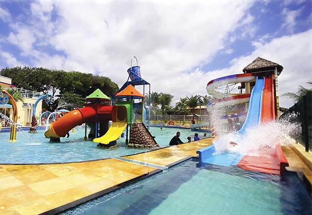 Tudo para sua família se divertir! 2 Passaportes para o Parque Aquático + 1 Petisco de R$158 por R$59,90