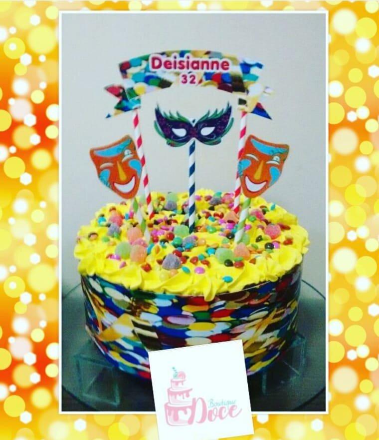 Perfeito para a sua festa! Scrapcake para 40 pessoas + 12 cupcakes por R$99,90 na Boutique Doce