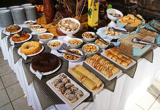 1 Diária para 2 Adultos e 1 Criança de até 6 anos anos (domingo a quinta) + café da manhã de R$400 por apenas R$229
