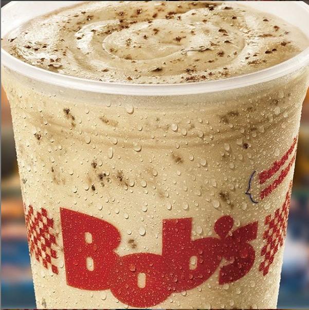 O clássico do Bob's aqui no Barato! 1 Milk Shake P do Bob's de 300ml de R$10 por apenas R$6,99. Válido Iguatemi 1º Piso, Iguatemi Expansão, Shopping Benfica, North Shopping e Jóquei, Parangaba. Válido para todos os dias!