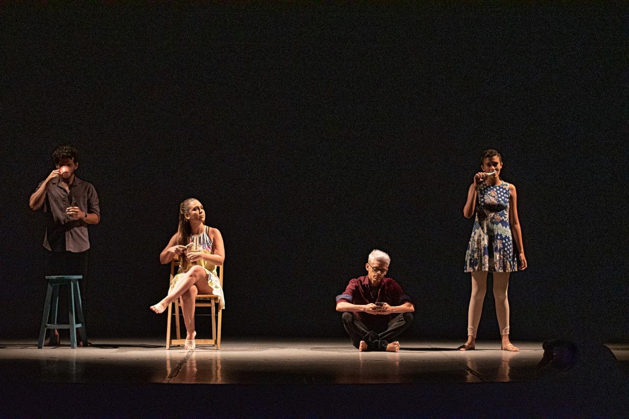 """Ingresso Inteira para qualquer setor para o espetáculo """"O Casulo - Tempo"""" dia 16/02 de R$40 por apenas R$18,40 no Teatro Brasil Tropical"""