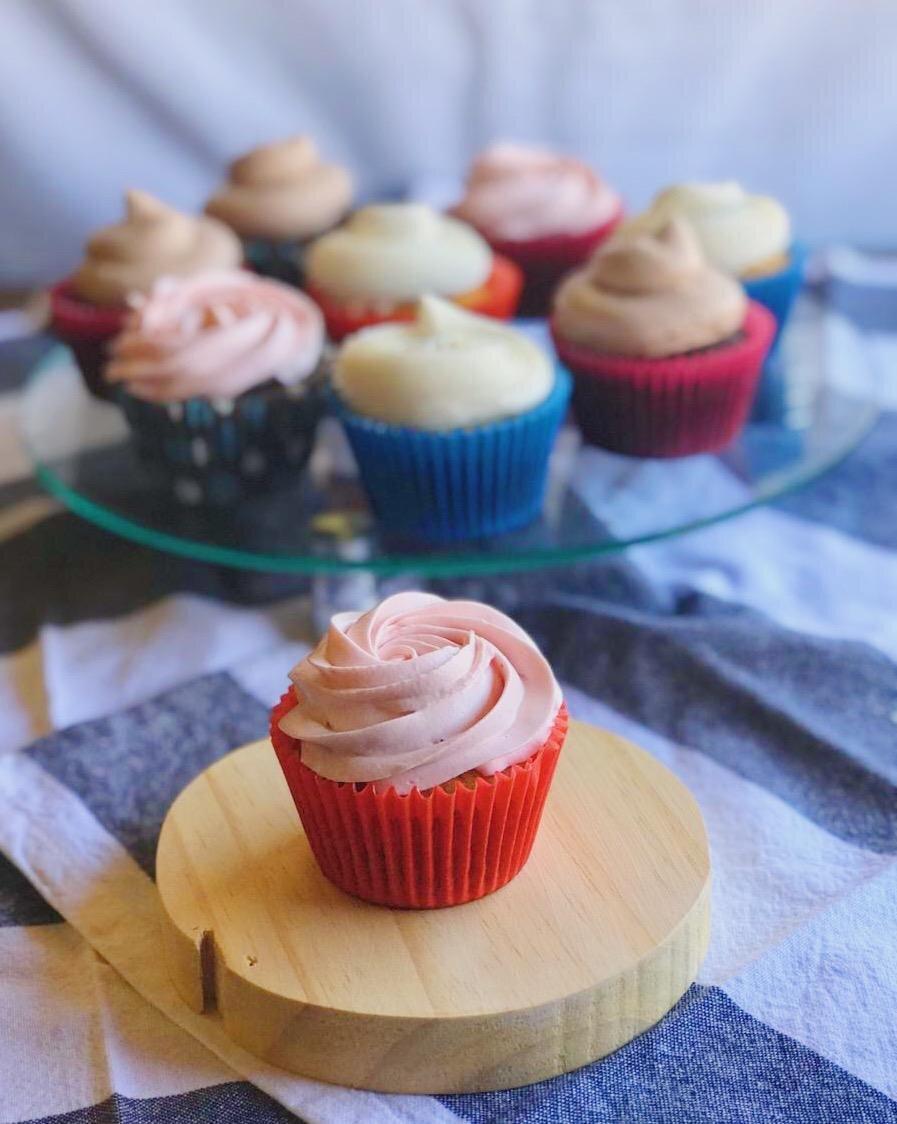 Lindos e deliciosos Cupcakes! Caixa com 12 unidades de R$66 por apenas R$49 na Oliva Cozinha