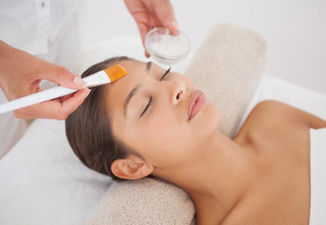 Oferta Relâmpago! Limpeza de Pele + Drenagem Facial + Massagem por R$99,99
