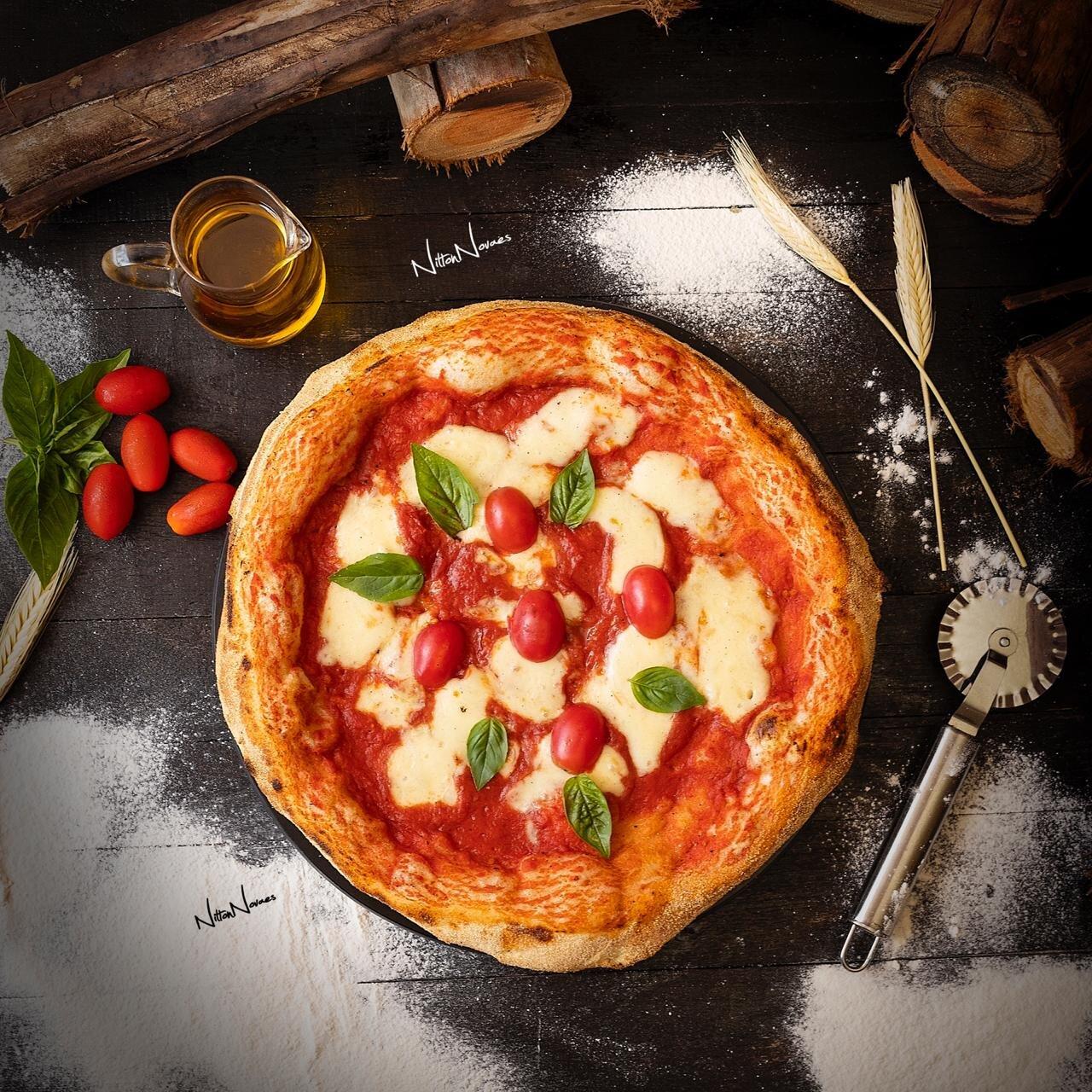 Festa boa é com Pizza! Confraternização de 20 a 25 pessoas com 10 pizzas da linha VIP e 5 litros de refrigerante por apenas R$479