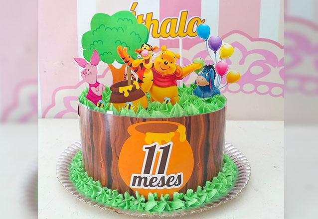 1 Bolo Chantininho para até 15 pessoas + 5 Cupcakes + 5 Pirulitos decorados R$149,90 por apenas R$99,90