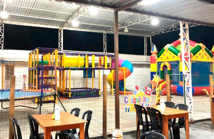 Camarão Chico ou Maminha Completa para 2 pessoas +  2 passaportes do parque infantil e 2 caipirinhas de limão 300ml de R$110 por apenas R$59,90