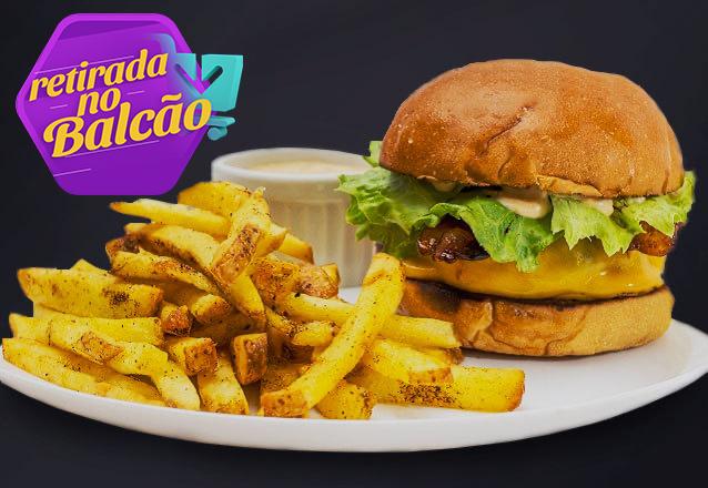 Cheese Burger (hambúrguer artesanal de 150g, queijo, cebola caramelizada e alface no pão de leite artesanal) + porção de batata de R$25,90 por apenas R$16,90