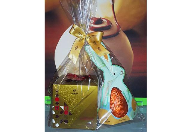A combinação perfeita! Kit Cubo + Coelho de chocolate de R$29,90 por apenas R$20,90 na Cacau Show - Del Passeo. Válido para Delivery!