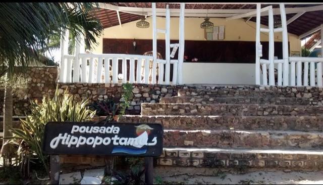 O Melhor lugar para ficar em Jericoacoara! 2 Diárias para 2 adultos e 1 criança de até 5 anos + café da manhã de R$500 por apenas R$330 na Hippopotamus Jeri Pousada