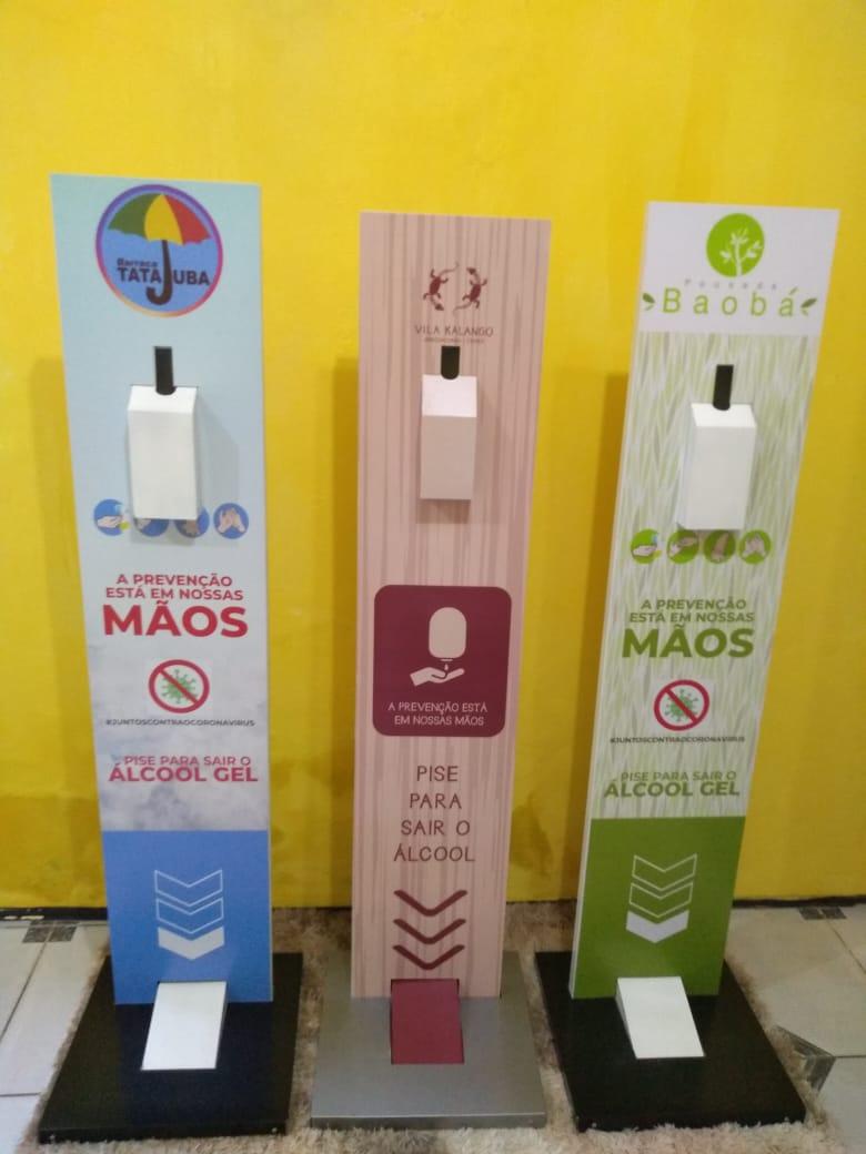 Muita segurança para você, sua empresa e seus clientes! Totem para Álcool em gel personalizado por apenas R$399 na Letraço Comunicação Visual