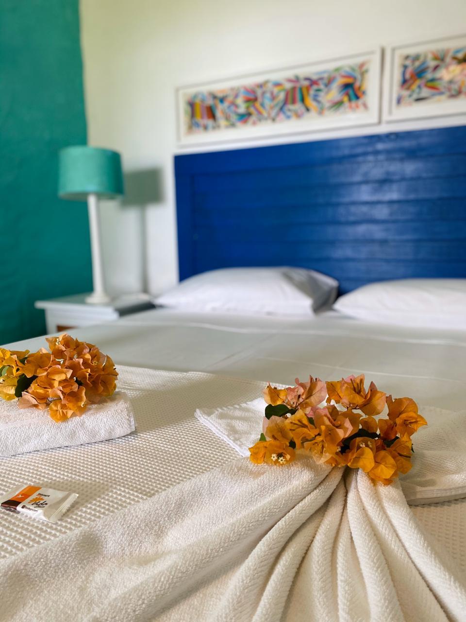 2 Diárias em Suíte Inferior Vista Mar (ar condicionado, chuveiro elétrico e frigobar) + Café da manhã para 2 Adultos de R$500 por R$369,99