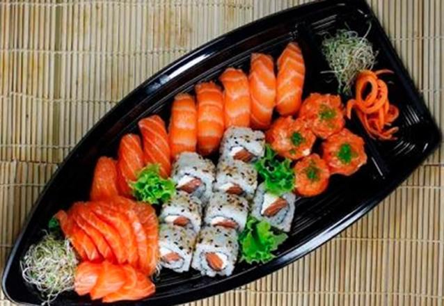 Combinado de 20 Peças de Sushi + 1 Bebida de R$37,90 por apenas R$26,50 no Tomodachi Cidade dos Funcionários