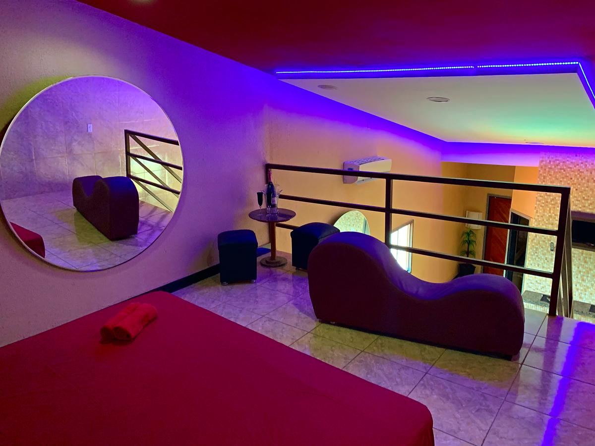 2h na Suíte Duplex Luxo por apenas R$64,80
