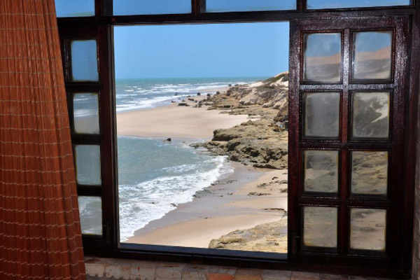 Conheça o paraíso Beberibe! 2 Diárias em Apartamento Standard para 2 Adultos e 1 Criança + Café da manhã por apenas R$269,90 no Residencial No Limite