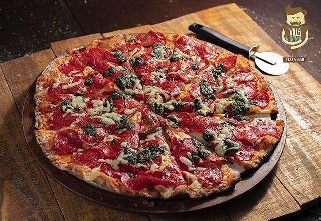 Pizza do jeito que a gente gosta! 1 Pizza Salgada Grande + 1 Pizza Doce Brotinho de R$158 por R$99