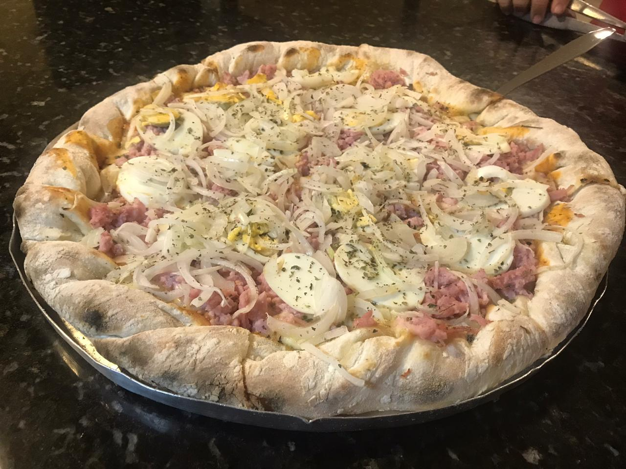 Pizza com borda recheada + Refrigerante de 2 litros por apenas R$34,99 na Pizzaria Della Mamma. Válido para Delivery!