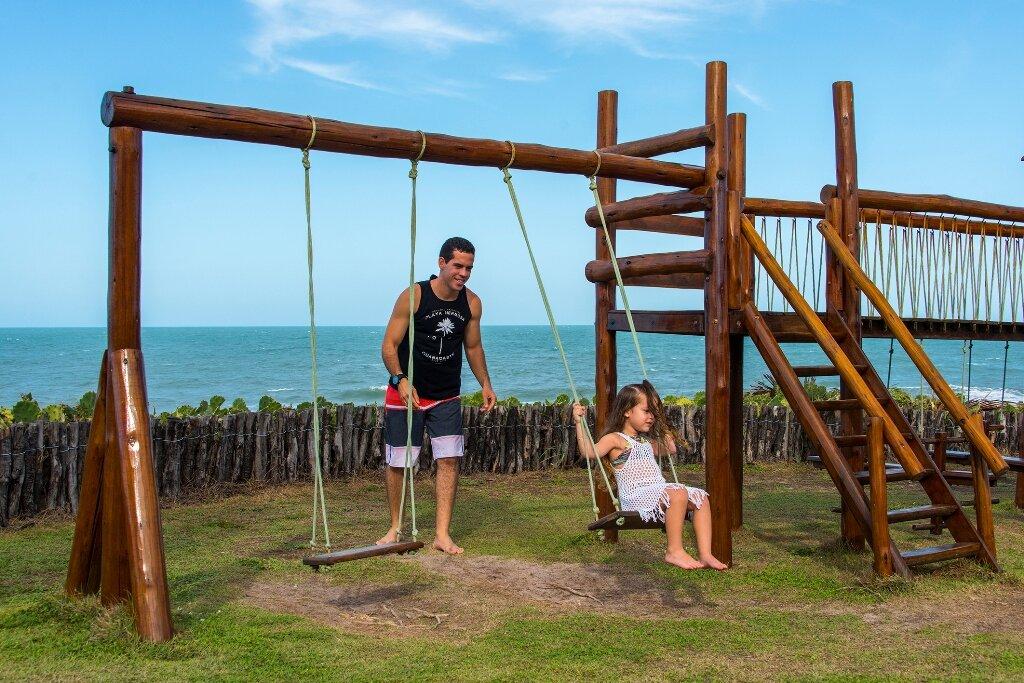Fevereiro a Junho 2021 - 2 Diárias com All Inclusive na Suíte Superior Vista Mar para 2 adultos e 2 crianças até 10 anos de R$2.816 por R$2.118 em até 10x sem juros