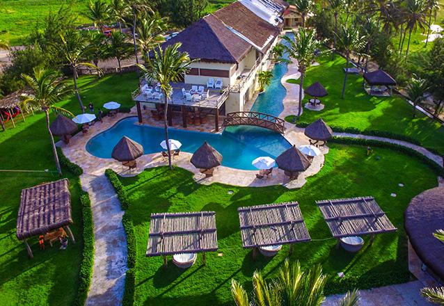 Todo o luxo da Praia de Tremembé em Icapuí! 2 Diárias em Apartamento Luxo Superior para 2 adultos e 1 criança  (de até 6 anos) com café da manhã por R$389 no Hotel Casa do Mar
