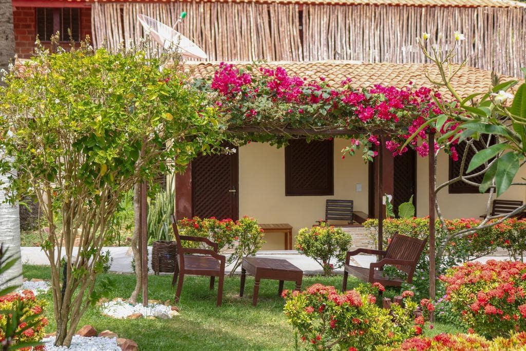 Relaxe em Jeri! 2 diárias em Apartamento Standard com varanda para 2 Adultos e 1 Criança por R$659 na Pousada Capitão Thomaz